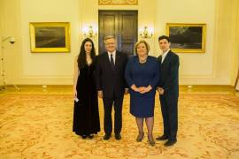 Junto al presidente polaco Komorowski en el concierto de Voz y Piano ofrecido por Katarzyna Gromadzka y María Márquez. Palacio Presidencial.